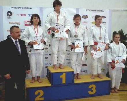 podium_aga4.jpg